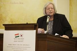 Exc. Doris Hertrampf alelnök, Nemet-Koreai Tarsasag