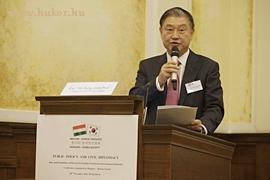 Exc. Yim Sung Joon, Hankuk Nemzetközi Kapcsolatok Egyeteme professzora