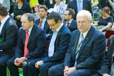 Balról jobbra:Bácskai János, Interparlamentáris Unió (IPU) Magyar-Koreai Baráti Tagozatának elnöke , polgármester, Babák Mihály polgármester, országyűlési képviselő, Kontur Pál országgyűlési képviselő