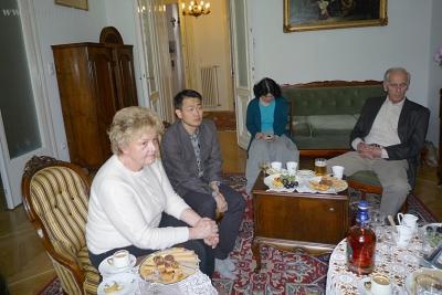 A vendégek egy csoportja, akik részesei lehettek e ritka pillanatnak