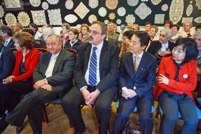 Az ünnepélyes megnyitó magyar és koreai vendégei.jpg